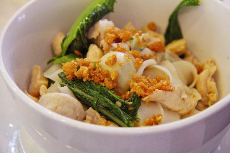 Local Food Guide: 6 Must-Try Foods in Myanmar